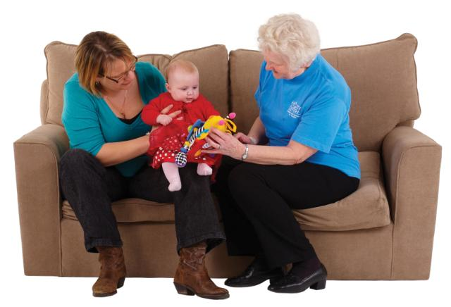 F DSC_9048_volunteer_mum_baby_sofa_jpg